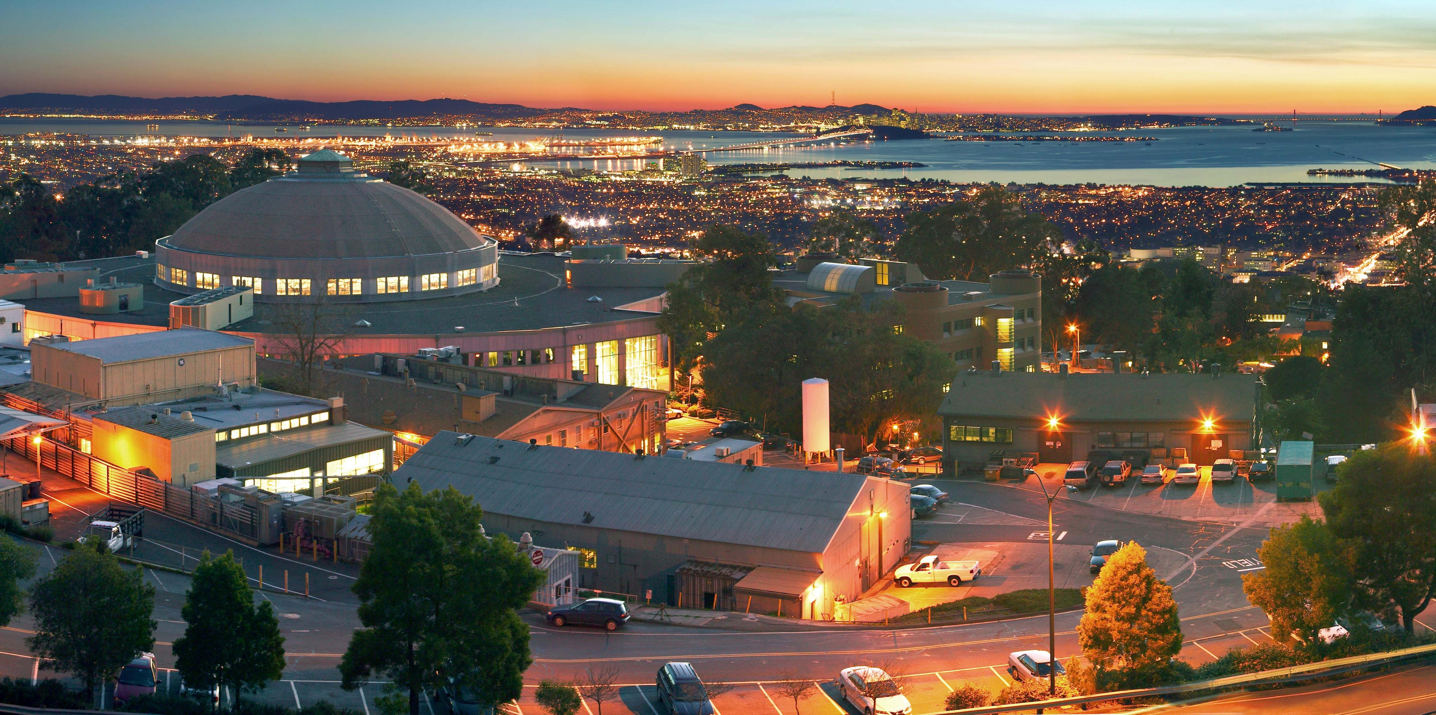 lab panorama view